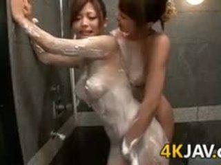 hardcore gruppe lebian in duschen