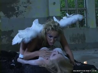 Mandy clair toying dora venter mort chatte