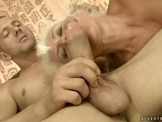 Lusty бабичка gets прецака красива трудно