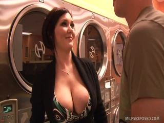 Insanely sexy gagica claire dames rides dong til ea cums