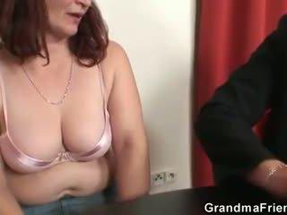 oud neuken, 3some actie, grootmoeder neuken