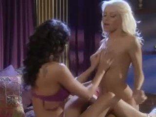 идеален лесбийка, който и да е дамско бельо, виждам pornstars горещ