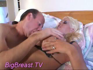 heet tieten actie, een tittyfucking, meest nep tieten