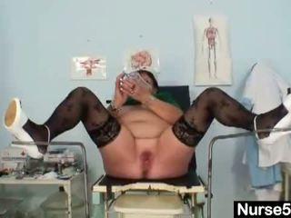 Nakal head nurses: diwasa gunging éndah wadon bojo is ngobahke driji her lemak burungpun