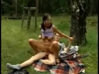 Hot Amateur chick Girl Fuck In Park