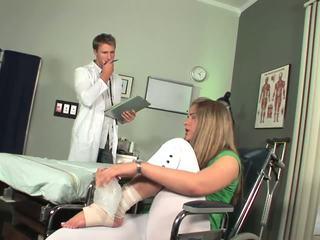 Disabled bé bắt đầu đến cảm toe sự nịnh hót