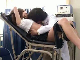 تلميذة misused بواسطة gynecologist