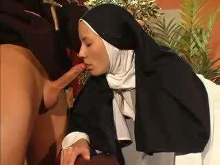 ความรัก, nun, priest