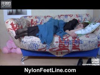 Vivian ו - nicholas ניילון footfuck וידאו