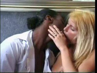 Anita blondt - klipp 1 (anita (1996)