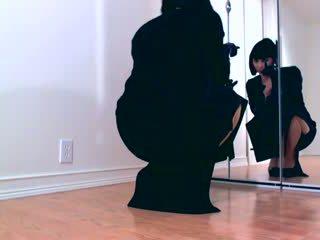 Dominant hypno Diva teasing in shiny pantyhose