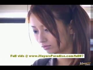 Nao yoshizaki sexy asiática jovem grávida em o autocarro