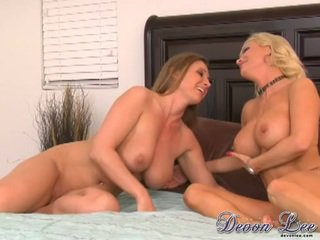 more brunette vid, pussy licking, you lesbians
