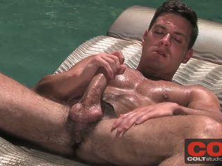 Muscular Stud Paddy O Brian Jerks Off In A Swimming Pool