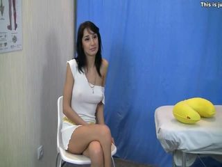 Endah brunette in pijet bayan action