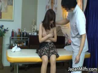Extremely มีอารมณ์ ญี่ปุ่น milfs การดูด