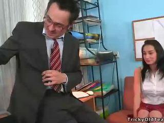Blowjob til eldre lærer