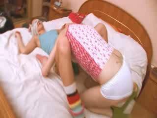 portuguese girl getting kinky with girl