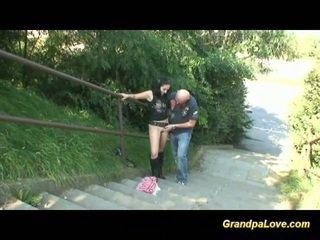 Morfar knull fin brunett