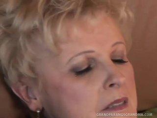 큰 아름다운 여자 할머니 샴페인 큰 dicked