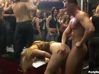 קבוצה סקס פרועה patty ב לילה מועדון
