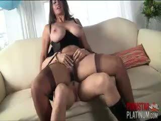 nominale brunette gepost, meer realiteit mov, pornstar