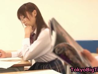 An nanairo á châu mô hình là đáng yêu và to