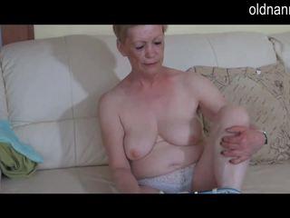 Solo bbw γιαγιά masturbate