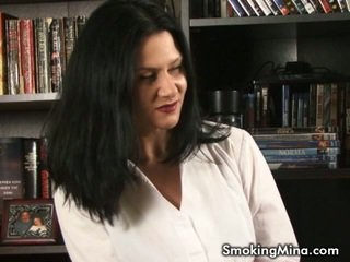controleren brunette seks, roken, kindje gepost