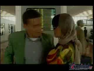 Tania russof стегнат обратно врата was aching за малко dong