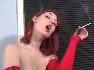 dohányzás, friss vöröshajú szép, bármilyen meztelen ön