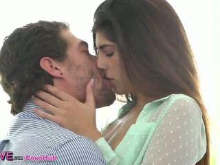 esmer, küçük memeler, öpme