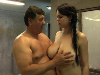 Jos didelis krūtys are going į viršų ir žemyn