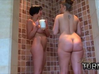 Paige Turnah - Milky, Milky