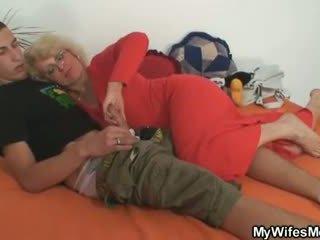 Vaimo finds häntä huijaaminen ja gets insane