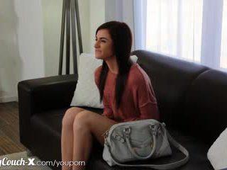 Provino couch-x timido ragazza wants a ottenere scopata su cam