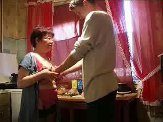 Amatér babičky souložit granddaughters boyfriend video
