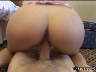 Annette schwarz rubbing του σκληρά πέος με two τα χέρια