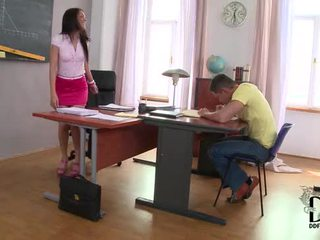 ร้อน ละติน samia duarte's เซ็กส์แปลกๆ การศึกษา session ใน เท้า งาน