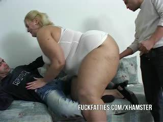 Fett flicka nurses en guy och hans vän verklig bra