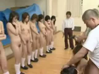 Japońskie schoolgirls pod pistolet threat wideo