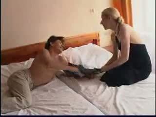 Maliit rusya maturidad at younger (amateur ina mother inang kaakit-akit lola ginintuan ang buhok olderwoman tinedyer 18 madmaxxx )