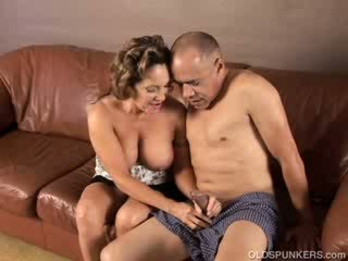 beautiful granny loves to fuck and eat cum