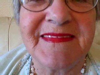Nonnina puts su suo rossetto poi sucks giovane cazzo video