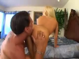 Cassie молодий takes a великий пеніс відео