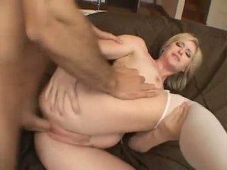 Palatable jana naomi cruise receives a betiň beti sperma on her mouth