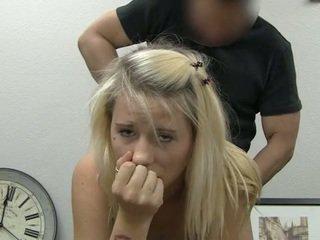 Ania taking faciale éjac