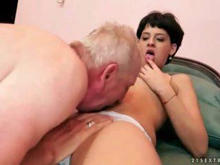 nieuw brunette, een hardcore sex, kijken orale seks kanaal