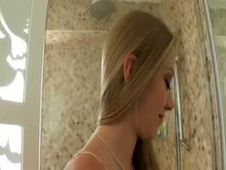 Tit ít chested cô gái tóc vàng cutie exgirlfriend tries ngoài thô hậu môn giới tính