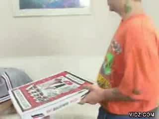 cheerleader bitch seduces pizza delivery boy